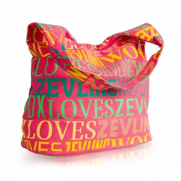 Love Bag - Plážecí taškařice pojmou velikou spoustu žertovných předmětů, které u vody (především večer) nemůžete postrádat. Nejlépe se do nich vkládají wooxusní ponožky, spodní prádlo, mikinky a nafukovací rukávky