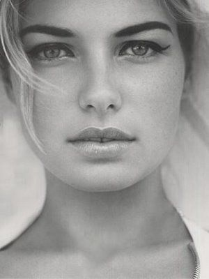 bold brows l jessica hart.