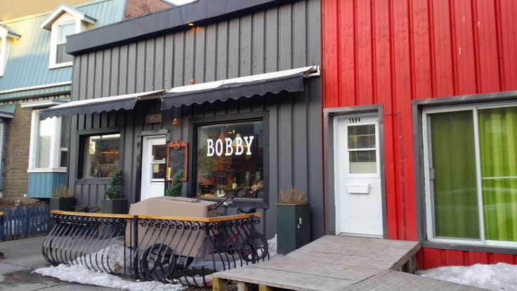 Pointe St Charles eatery, Bobby's