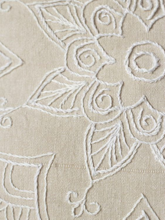 DIY-Anleitung: Mandala auf Kissen sticken via DaWanda.com