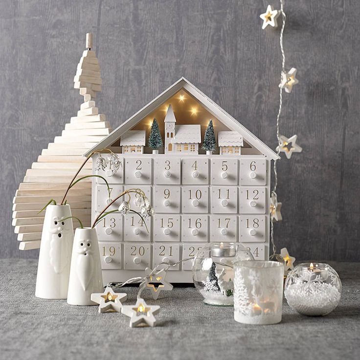 Are you interested in our wooden advent Calender ? With our White House advent Calender you need look no further.
