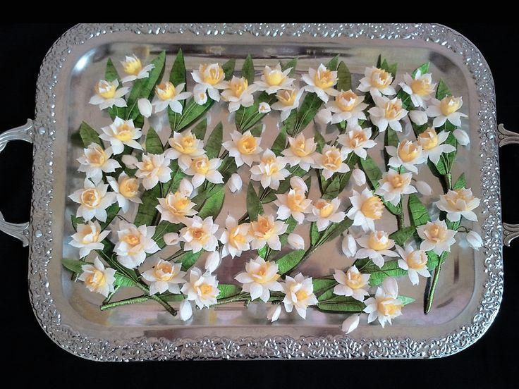 İpek Kozasından Nergis Yaka Çiçeği Sipariş vermek için: www.ipekelsanatlari.com - info@ipekelsanatlari.com  Daffodil/Narcissus (boutonniere) made of silk cocoon Buy it Online! www.ipekelsanatlari.com - info@ipekelsanatlari.com - WhatsApp: 05363642162  #ipek #koza #cicek #nergis #beyaz #ipekbocegi #damat #yakacicegi #dugun #nisan #ceyiz #aksesuar #moda #gelinmodasi #tasarim #groom #wedding #silk #daffodil #narcissus #white #cocoon #handmade #boutonniere #crafts #doityourself