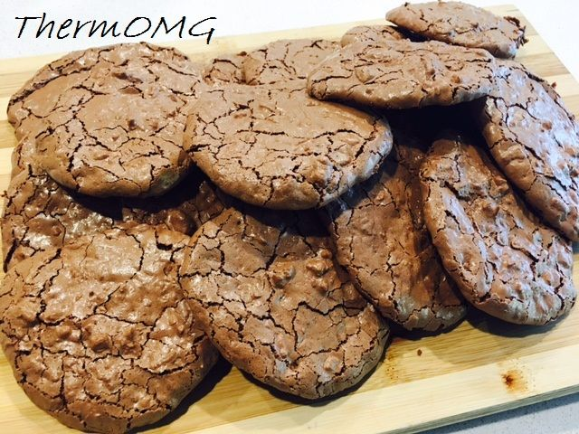 GF Egg Whit Chocolate Cookies - ThermOMG