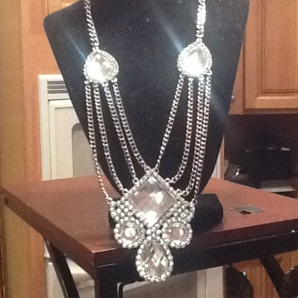 Glamorous necklace, super large white stones... So hip, gaga, style! Glam.....24 in in total length...so posh!/ gold and silver tones lady gga Accessories