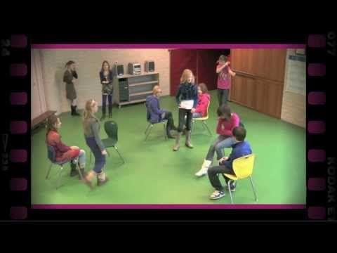 Locatie spelen (dramaoefening bij lesmethode DramaOnline) - YouTube