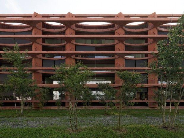 dezain.net • ヴァレリオ・オルジアティによるスイス、ツーク・シュライフの集合住宅「Residential Building Zug Schleife」の写真