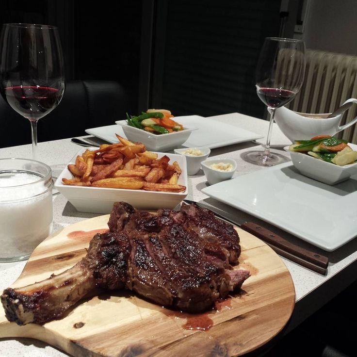 Simple and like a restaurant, cote à l'os, frite maison, légume croquant, sauce archiduc