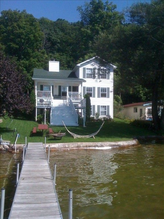 House vacation rental in gun lake from vacation for Lake pepin cabin rentals