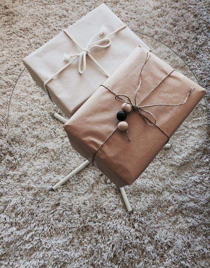 Diy gift wrapping  Photo: Sara Eriksson. Instagram: lainiosara