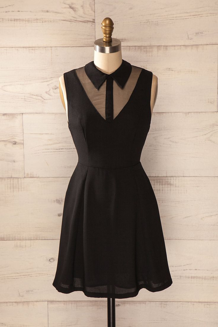 L'ultime petite robe noire androgyne.   The ultimate androgynous little black dress.