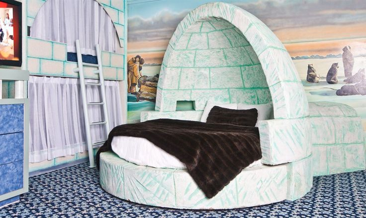Igloo-Luxury-Theme - Fantasyland Hotel. lots of different themed rooms to bring out the kid in you! so cool.