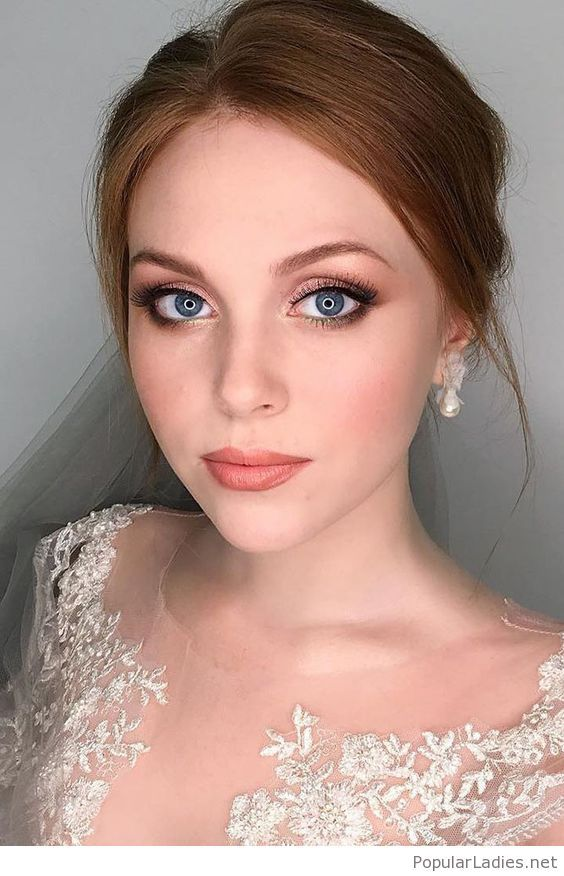 Amazing bride makeup for blue eyes