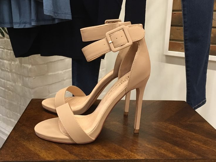The perfect nude heels! #shopalb #ApricotLaneTS
