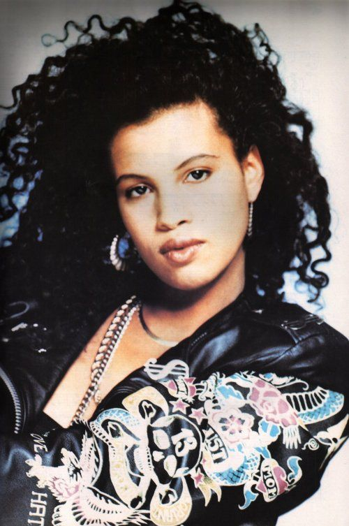 Neneh Cherry.....buffalo stands...love this girl!