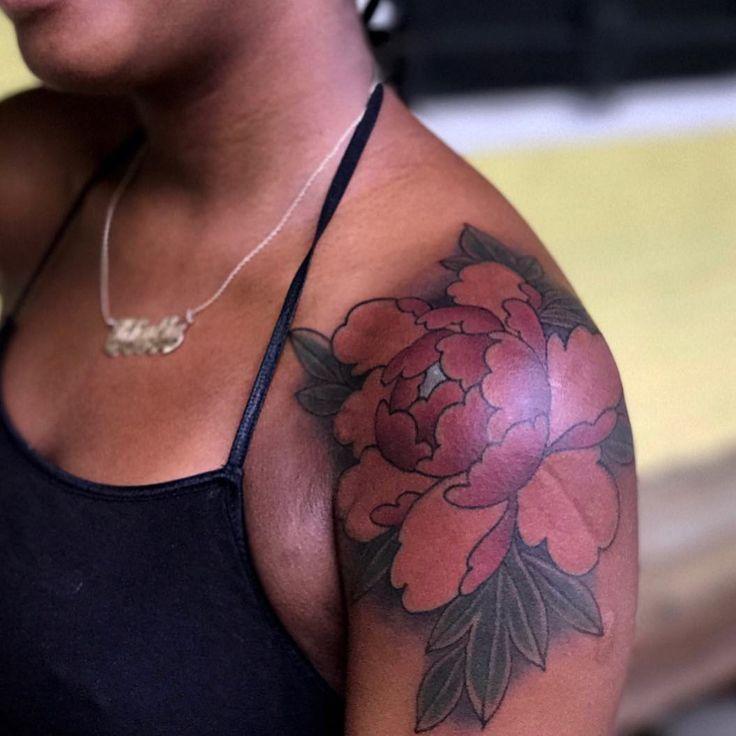 "180 Likes, 4 Comments - ♠️♠️Dark Skin Body Art♠️♠️ (@darkskinbodyart) on Instagram: ""Peonies in color by @timfurlow ! Goes on the shoulder cap quite nice right?! #darkskinbodyart…"""