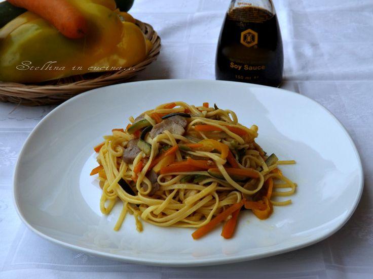 Linguine+con+verdure+saltate+e+salsa+di+soia