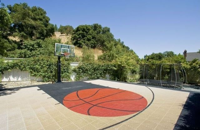 35 Of The Best Backyard Court Ideas Backyard Sports Backyard Court Backyard Basketball