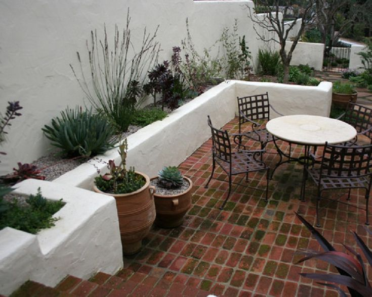Garden design in spain google search moriaria for Courtyard landscaping pinterest