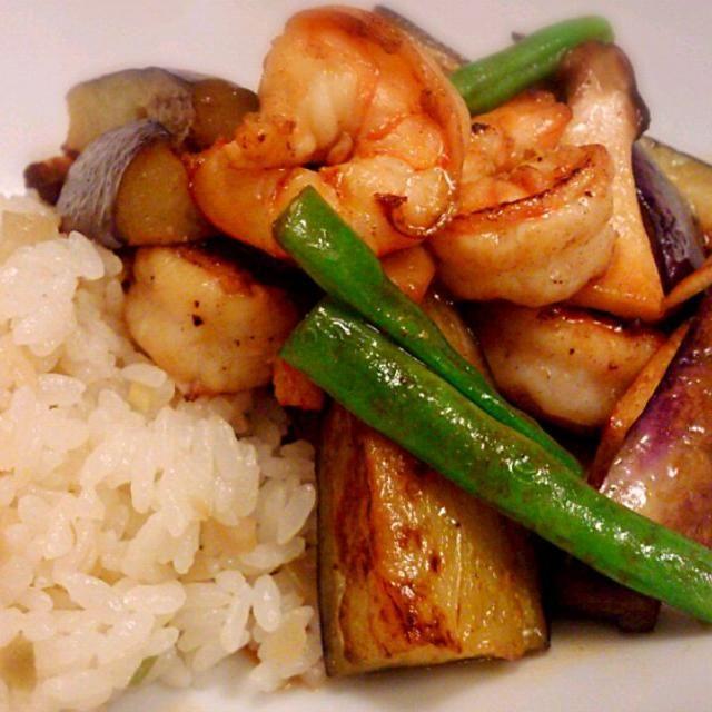3分クッキングのレシピをお試し! - 11件のもぐもぐ - 焼き野菜とエビのホットサラダ&ザーサイご飯! by みえこ