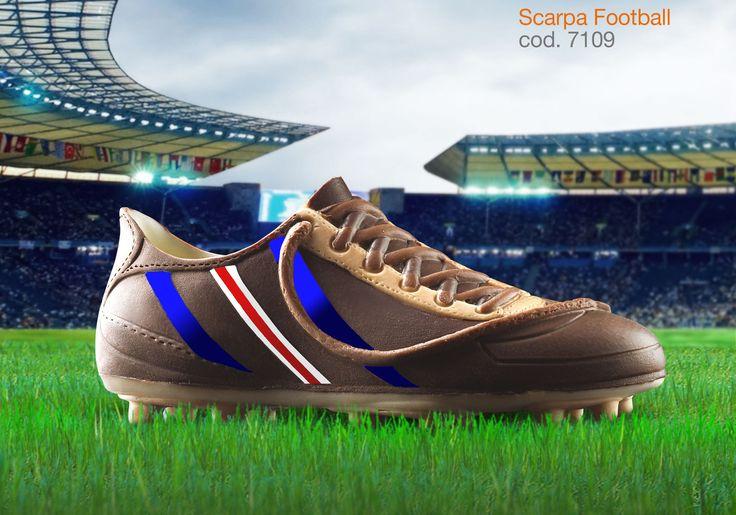 scarpa in cioccolato realizzata con gli stampi in silicone alimentare decosil #calcio  #iceland
