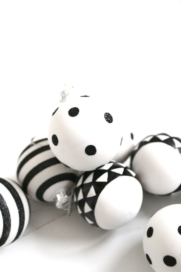 &SUUS: Christmas with kids: Marble Angels | ensuus.blogspot.nl | Black and White Christmas decoration  | DIY |