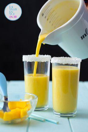 koktajl  z mango z mlekiem kokosowym