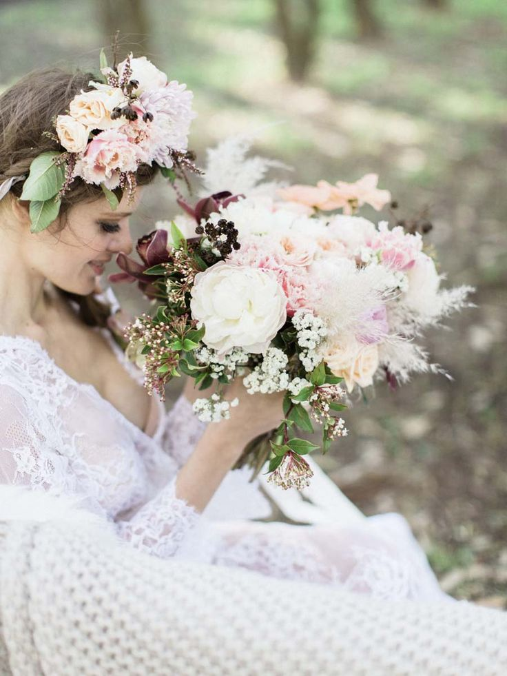 If pastel pretty bohemian is your thang, you are going to LOVE today's stunning bridal shoot!  'Windswept Bride' is a beautiful pastel bohemian shoot from We Love Origami - it's full of pastel blooms, delicious cakes and utterly romantic boho detailing...