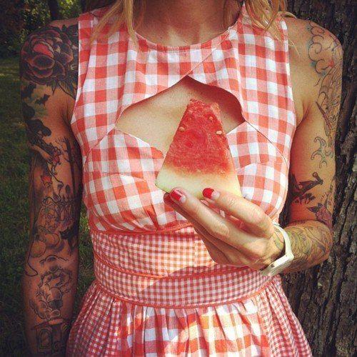 : Hipster Tattoo, Red Nails, Picnics Tables, Tattoo Girls, Arm Tattoo, The Dresses, Gingham Dresses, Pastequ Tattoo, So Sweet