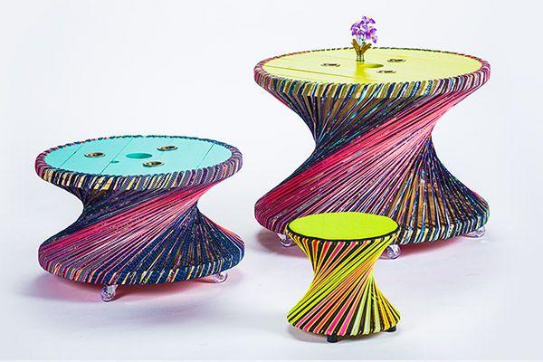 El banco Momo reutiliza carretes de cable cubiertos por un tejido elástico (Diseño: Luciana González Franco).