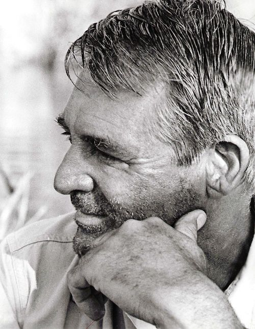 Cary Grant, even unshaved he looks great!