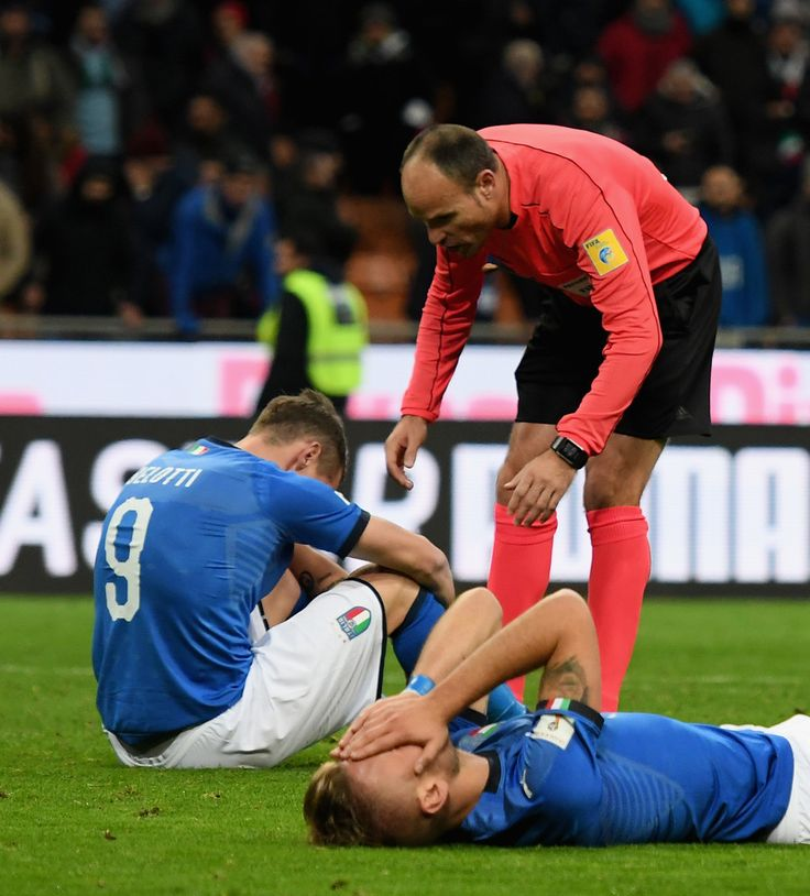 Referee Antonio Mateu Lahoz and Andrea Belotti of Italy of Italy chat at the end of the FIFA 2018 World Cup Qualifier Play-Off: Second Leg between Italy and Sweden at San Siro Stadium on November 13, 2017 in Milan, Italy