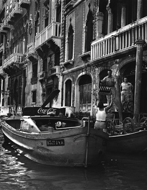 Venice 1950 Photo: David Seymour - Explore the World with Travel Nerd Nici, one Country at a Time. http://TravelNerdNici.com