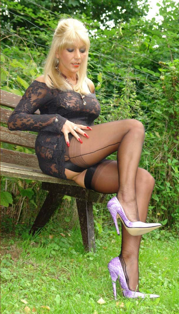 Sexy mature women wearing stockings