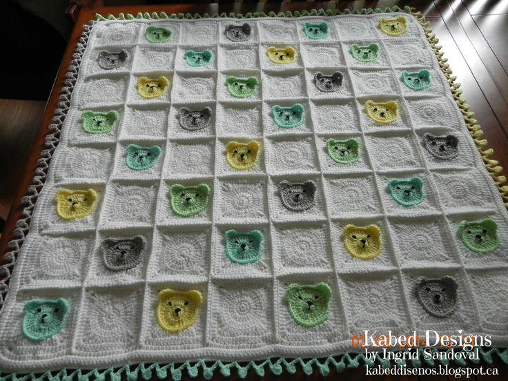 Baby blanket with bears handmade in crochet. chamarrita de bebe con ositos hecha a mano en crochet.