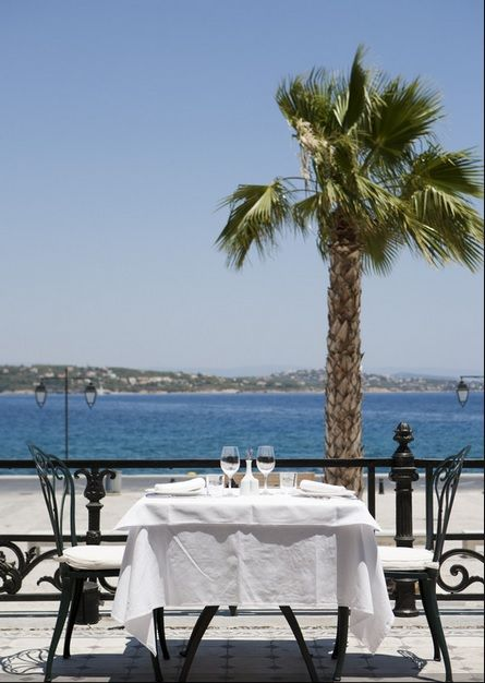 This #summer enjoy mini getaways to #Spetses and the historic #PoseidonionGrandHotel. In a preserved monumental building of rare beauty, reminiscent of the luxurious grand hotels of Côte d'Azur, Poseidonion Grand Hotel, conveniently located in Dapia port, takes you on a journey through time. http://www.tresorhotels.com/en/offers/285/mini-kalokairinh-apodrash-stis-spetses-kai-to-poseidonion
