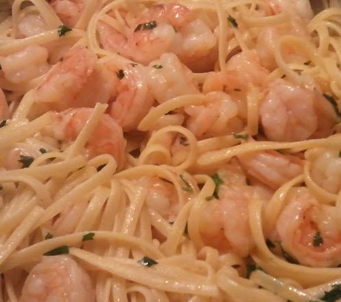 Miracle noodles with garlic and shrimp .