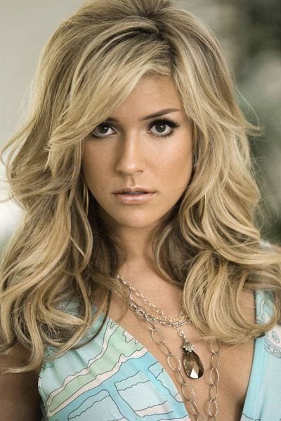 Long Wavy Hairstyle for Diamond-shaped Women