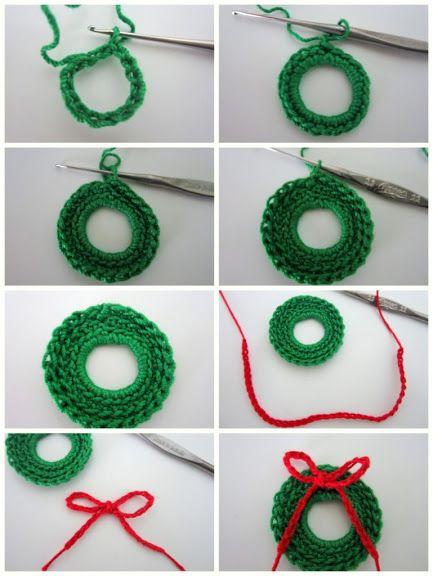 Crochet: Mini Christmas Wreath - Tutorial ❥ 4U hilariafina  http://www.pinterest.com/hilariafina/