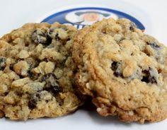 Vanishing oatmeal cookies- recipe on Quaker lid, my fave. Makes ~4 dozen. Bar cookies: bake 30-35 min in ungreased 13x9 metal baking pan.