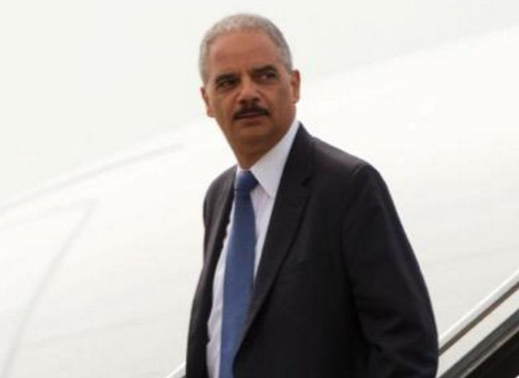 Eric Holder Blasts 'Dangerous/Unfit' Trump for Special Prosecutor Threat During Debate