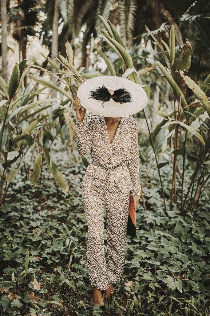 Traje y complementos: Rental Mode; Modelo: Bridalada; Fotografía: Ernesto Villalba; MUAH: Oui Novias