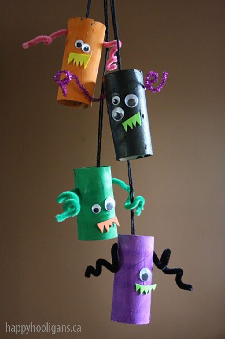10 ideias para o halloween das crianças - mobile de monstro de rolo de papel higiênico para fazer com os pequenos