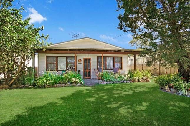 FOUR KNOTS - PATONGA BEACH   Patonga, NSW   Accommodation