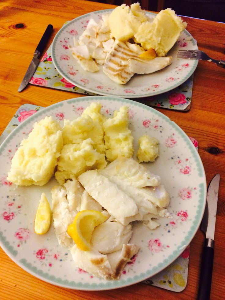 Healthy and delicious grilled fish with creamy mashed potato - yummy :)