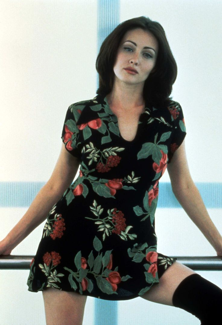Shannen Doherty. 90's girl.  #nastygal #minkpink