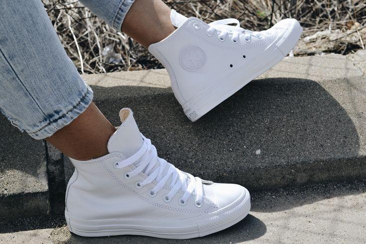 Revoluciona tus looks con las nuevas zapas de corte con caña alta botín de Converse.