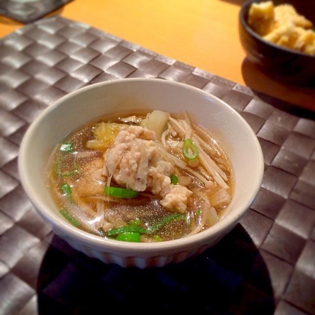 いつもは お鍋として食べるけど スープとして 登場? 牛蒡は一袋全部入れてます。 つくねに蓮根を入れると歯ごたえよくて好き。 - 134件のもぐもぐ - 鶏つくね牛蒡スープ by sakuramidori