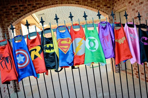 Party Pack 24 SATIN CAPES Superhero capes Star por baileysblossoms