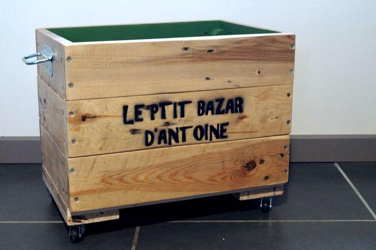 Caisse de rangement en bois de palette, personnalisée : Chambre d'enfant, de bébé par palette-graphik                                                                                                                                                                                 Plus