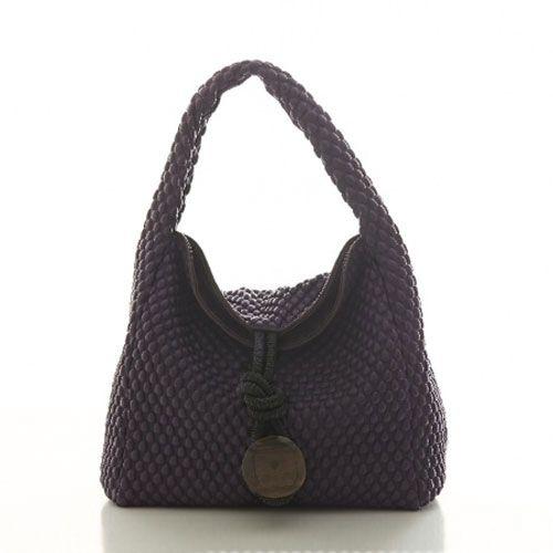 Bolso Uptown Sack Bag, en color uva, de Tissa Fontaneda.
